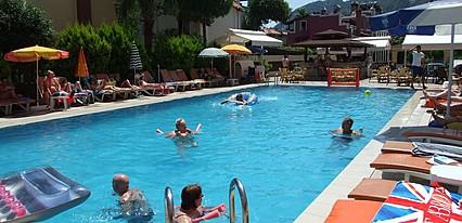 Club Selen Hotel Havuz / Deniz