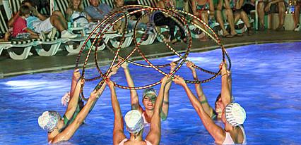 Club Shark Hotel Havuz / Deniz