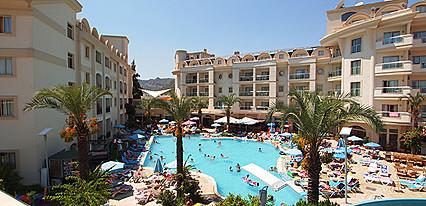 Cosmopolitan Resort Hotel Havuz / Deniz