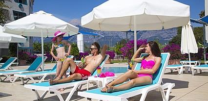 Daima Resort Hotel Havuz / Deniz