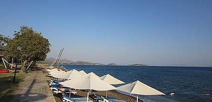 Datca Surf Tatil Koyu Havuz / Deniz