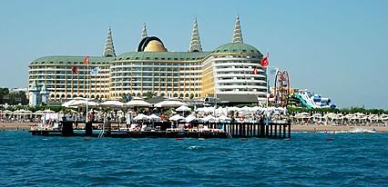 Delphin Imperial Lara Havuz / Deniz