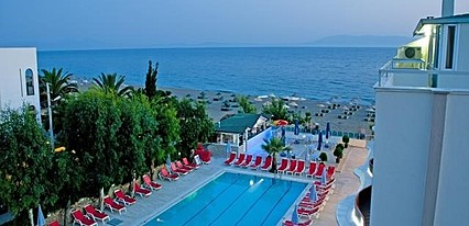 Doğan Beach Resort Hotel Havuz / Deniz