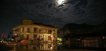 Dorian Hotel Havuz / Deniz