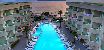 Dragut Point South Hotel Havuz / Deniz