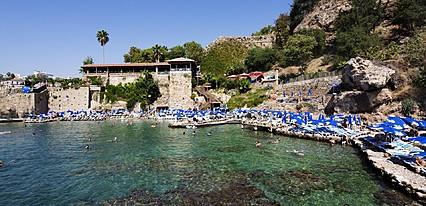 Elegance East Hotel Havuz / Deniz
