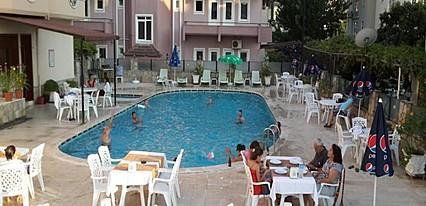 Eroğlu Otel Havuz / Deniz