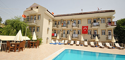 Ertek Hotel Havuz / Deniz