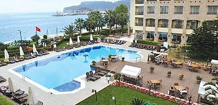 Fame Residence Kemer Havuz / Deniz