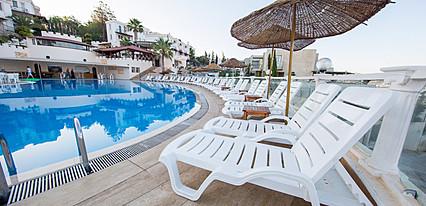 Family Belvedere Hotel Havuz / Deniz