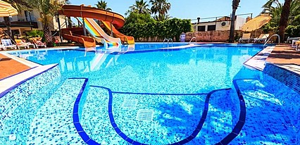 Galeri Resort Hotel Havuz / Deniz