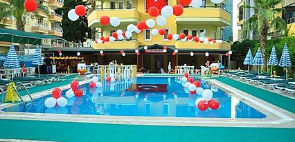 Gold Twins Family Beach Hotel Genel Görünüm