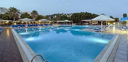 Golden Age Hotel Bodrum Havuz / Deniz