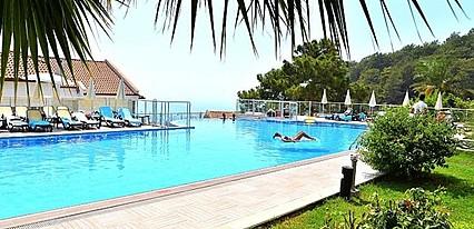 Golden Life Heights Deluxe Suites Hotel Havuz / Deniz