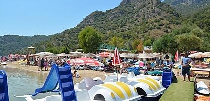 Golden Sand Beach & Caravan Fethiye Havuz / Deniz