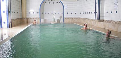Gönen Kaplıcaları Yeşil Hotel Havuz / Deniz