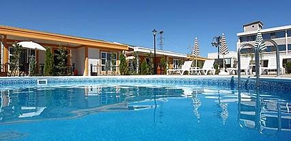 Gözlek Termal Otel Havuz / Deniz