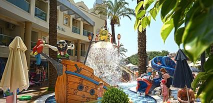 Grand Cettia Hotel Havuz / Deniz