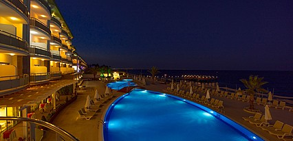 Grand Park Kemer Hotel Havuz / Deniz