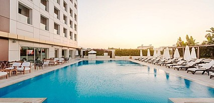 Grand Pasha Hotel & Casino Havuz / Deniz