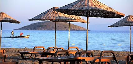 Gumuldur Mavi Deniz Otel Havuz / Deniz