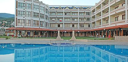 Gure Termal Resort Hotel Havuz / Deniz