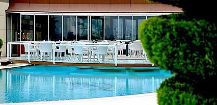 Hegsagone Otel Havuz / Deniz