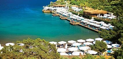 Hilton Bodrum Türkbükü Resort & Spa Havuz / Deniz