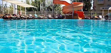 Holiday City Hotel Havuz / Deniz