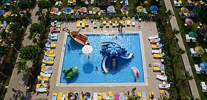 Hotel Grand Efe Havuz / Deniz