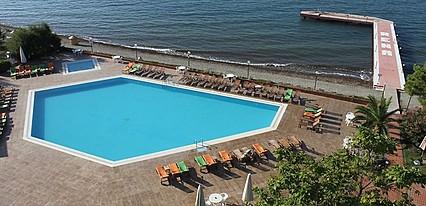 Hotel Rena Havuz / Deniz