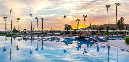 Kefaluka Resort De Luxe Havuz / Deniz