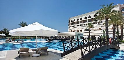 Kempinski Hotel The Dome Havuz / Deniz