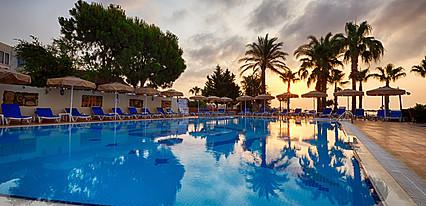 Kilikya Hotel Havuz / Deniz