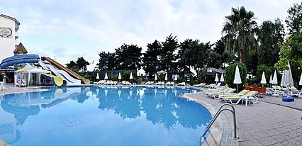 Klas Hotel Havuz / Deniz