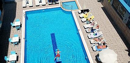 Kleopatra Ramira Hotel Havuz / Deniz