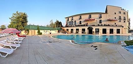 Konsopa Otel Havuz / Deniz