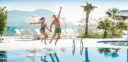 Kusadasi Golf & Spa Resort Havuz / Deniz