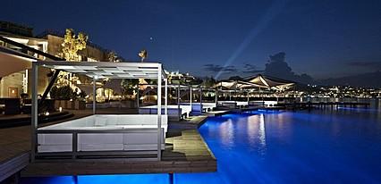 Kuum Hotel & Spa Havuz / Deniz