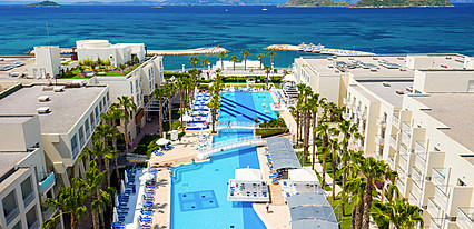La Blanche Resort & Spa Hotel Havuz / Deniz