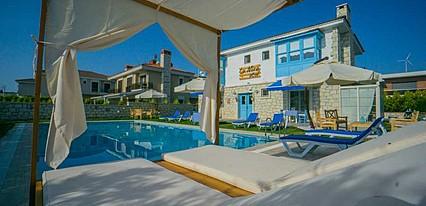 La Mira Otel Havuz / Deniz