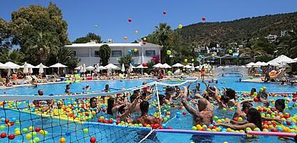Labranda TMT Bodrum Resort Havuz / Deniz