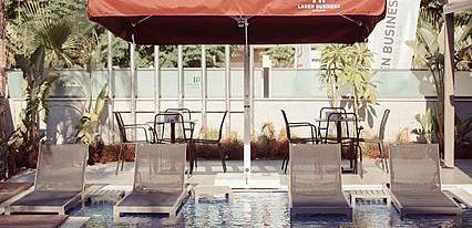 Laren Seaside Hotel Spa Havuz / Deniz
