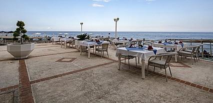Larissa Art Beach Kemer Yeme / İçme