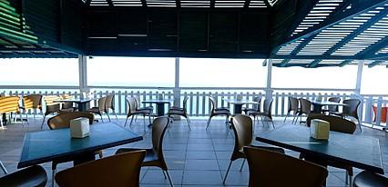 Larissa Hill Beach Yeme / İçme