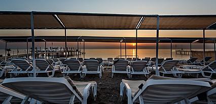 Larissa Mare Beach Havuz / Deniz