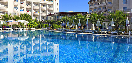 Lilyum Hotel & Spa Havuz / Deniz