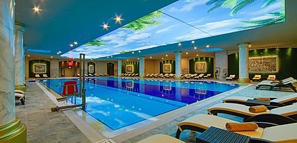 Limak Cyprus Deluxe Hotel Havuz / Deniz