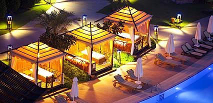 Limak Lara De Luxe Hotel Resort Havuz / Deniz