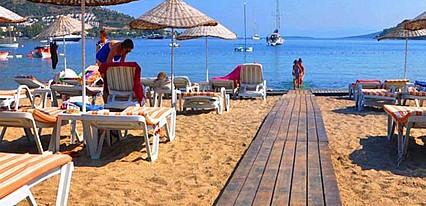 Liona Butikhan Beach Havuz / Deniz